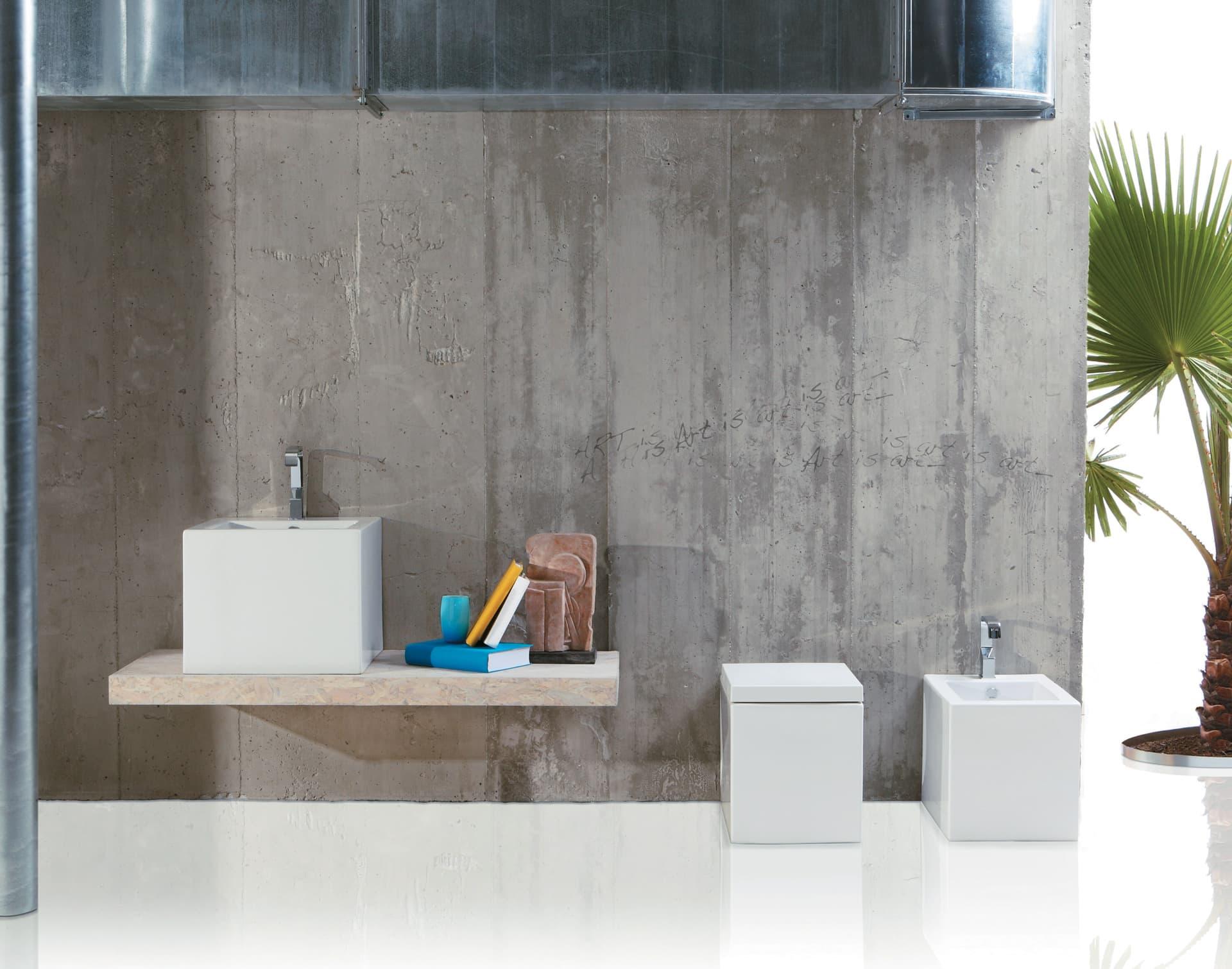 Arredamento bagno moderno - sanitari, lavabo, ceramica acciaio, marmo