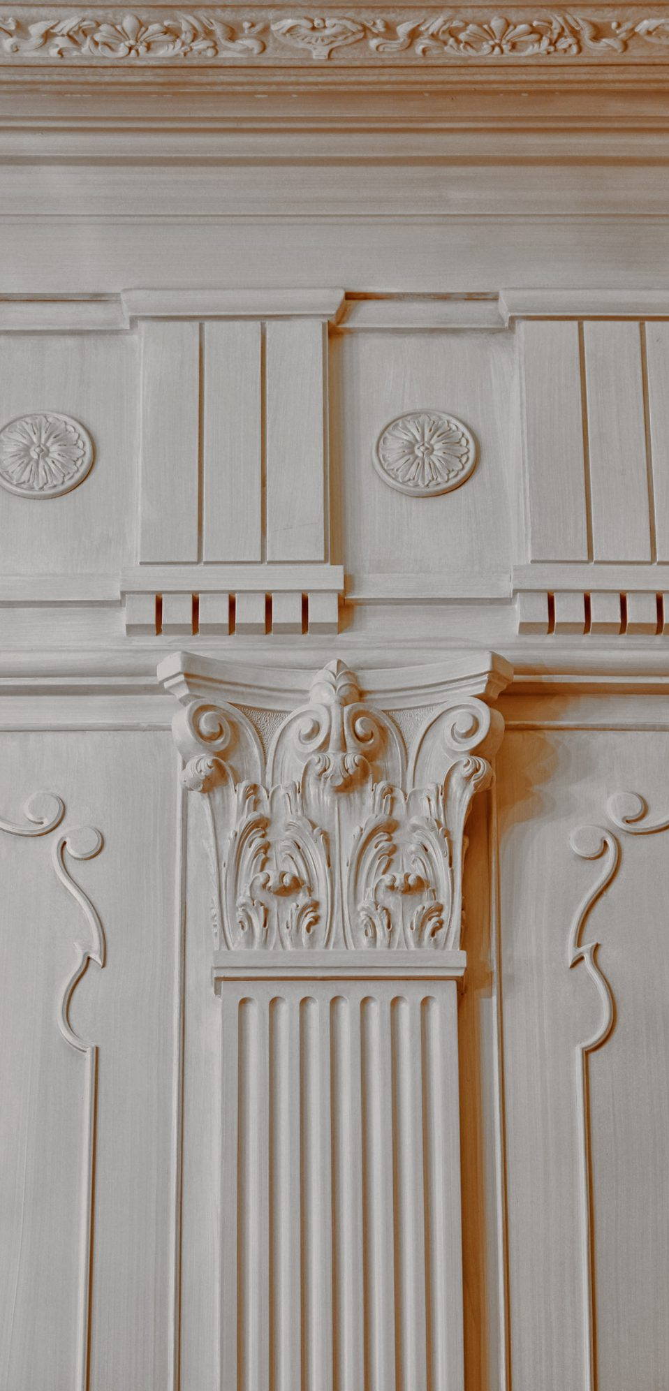 Ristrutturazione interni, dettaglio ornamento in gesso, interni classici