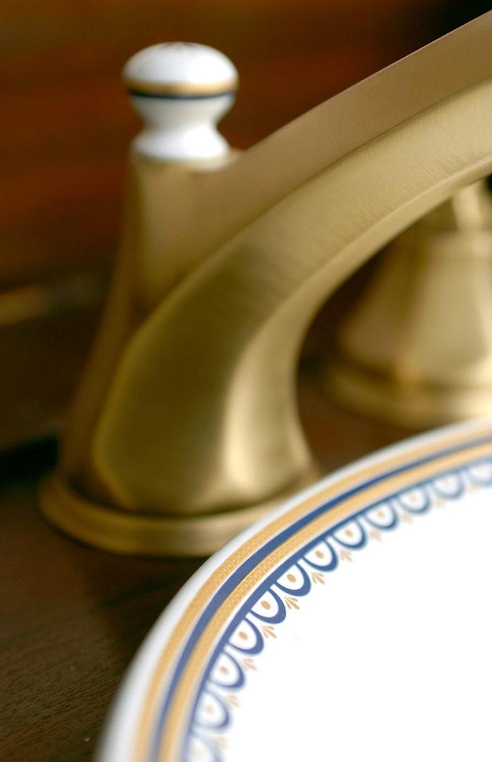Rubinetterie bagno classico - ceramica decorata, oro